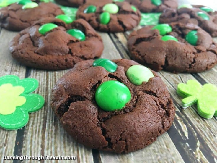 These chocolate mint cookies are an amazing addition to any display of chocolate desserts! Or if you are looking for St Patrick's Day party ideas, be sure to include these to the list. Mint chocolate cookies are such a classic that everyone will love them! #cookies #mint #chocolate #stpatricksday #dessert