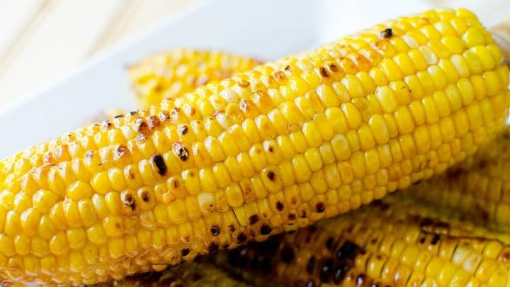 Sweet and spicy grilled corn on the cob