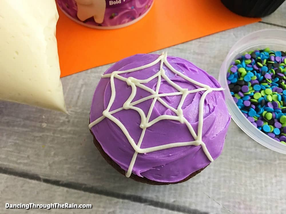 Spiderweb cupcake without sprinkles
